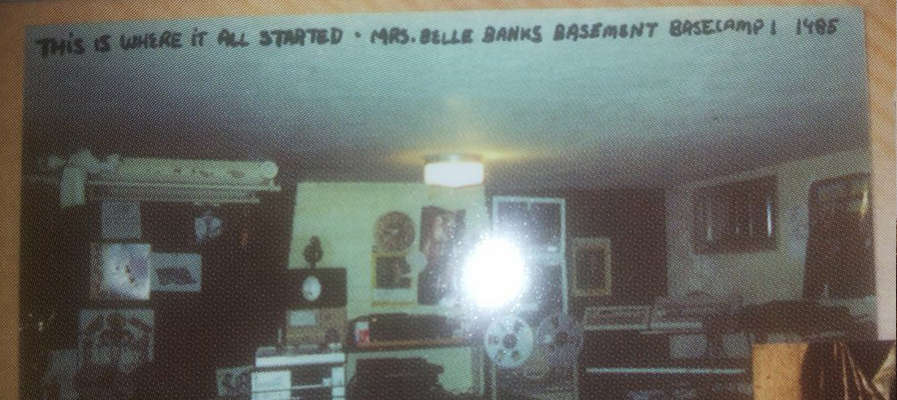 Mommas Basement 1985