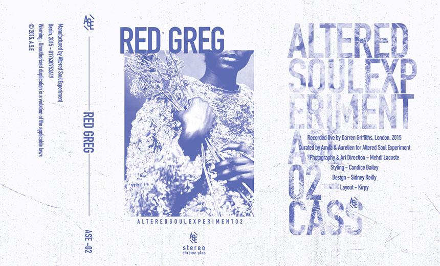 La Altered Soul Experiment ha esordito con un primo tape mixato da Volcov ed inserito nella prima posizione della nostra classifica mensile ad agosto. Un concetto semplice quanto forte e profondo, quello di suscitare nostalgia negli ascoltatori, una nostalgia che aveva del vero fino a tutti gli anni '90, quando ascoltando le cassettine con i vari mixati si andava poi alla ricerca dei dischi nei vari negozi.  Il secondo tape in arrivo è firmato da Red Greg, al secolo Darren Griffiths, uno dei Dj londinesi più oscuri e meno inflazionati e grandissimo collezionista di vinili. In questo mix Greg ha selezionato musica soul che potesse star bene insieme nella maniera più naturale possibile, senza azzardare su tracklist di introvabili ma insistendo solo ed esclusivamente sul flow.  Qui potete ascoltare una piccola preview di quello che vi aspetta in una di queste 150 limitate cassette.